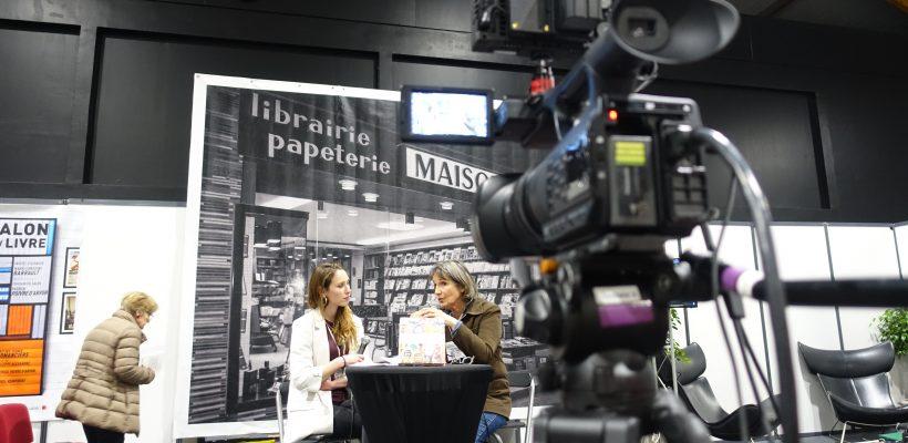 Les auteurs se succèdent au micro de nos étudiants au Salon du Livre
